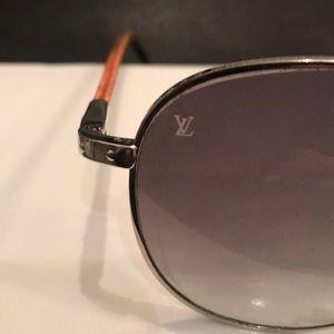 Louis Vuitton Accessories - AUTHENTIC LOUIS VUITTON SUNGLASSES(UNISEX)